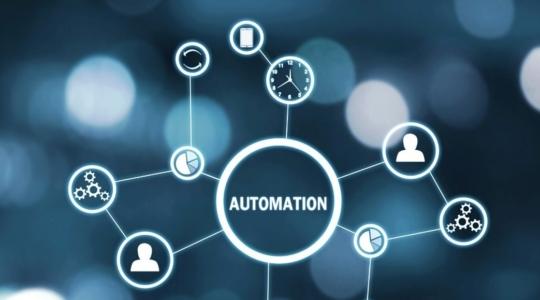 Automation Mind map schwebend über Hand